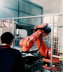 Robot loading and unloading intelligent induction heating application